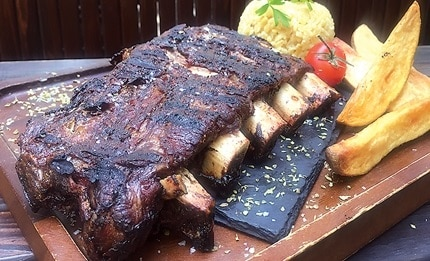 Beef ribs with barbecue glaze